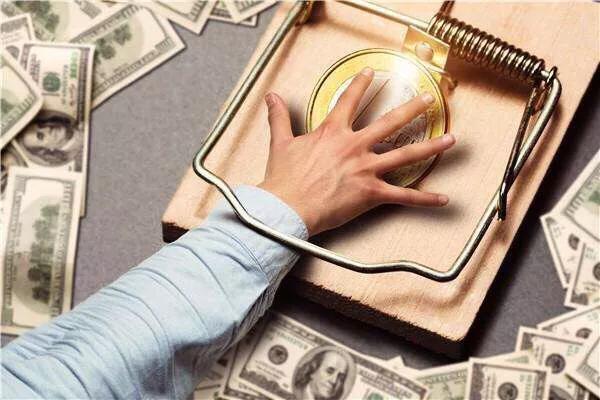 """网贷人自述:急用钱撞上""""套路贷"""", 阴阳合同让我搭上一套房"""